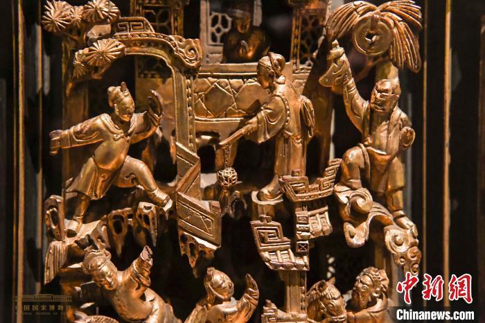 国博展出160余件潮州木雕精品再现潮汕人文风情
