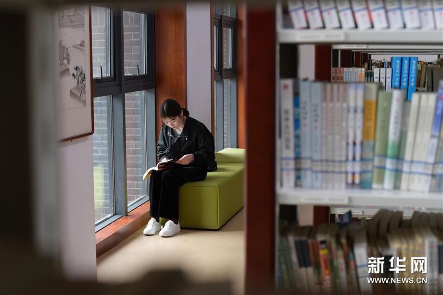 贵州播州:图书馆提档升级 丰富群众精神文化生活